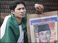 Supporter of governing coalition in Kelantan - 27/11/05