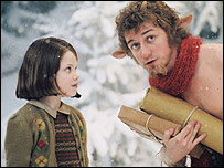 Georgie Henley (l) and James McAvoy in The Lion, the Witch and the Wardrobe
