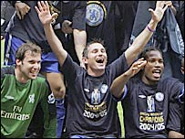 Chelsea celebrate winning the Premiership title