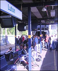 Luton station at 1713 BST