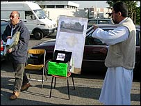 Muslims raising funds for a new mosque in Venissieux near Lyon