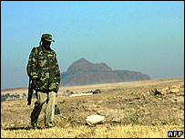 Ethiopian soldier patrols Eritrean border