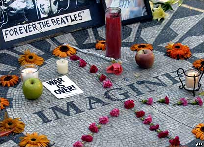 Tribute to John Lennon in New York, 8 December 2005