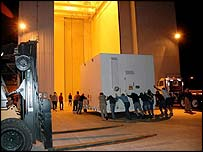 MRO is moved into Kennedy Space Center, Nasa