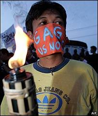 En Filipinas cientos de manifestantes exigen m�s libertad de expresi�n.