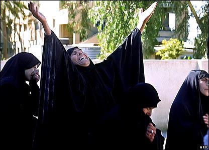 baquba 2005 grieving woman