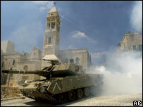 Tank in Beit Jalla during fighting in 2002