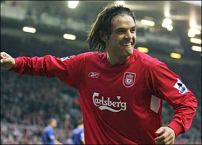 Fernando Morientes celebrates his second goal