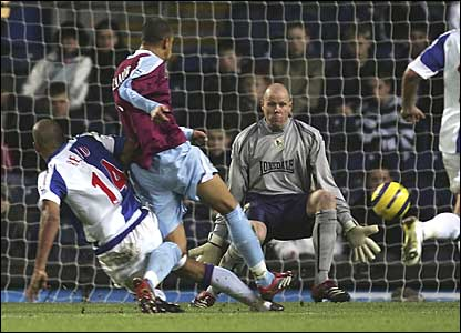 West Ham's Bobby Zamora scores the first goal