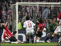Park anota el primer gol del Eindhoven