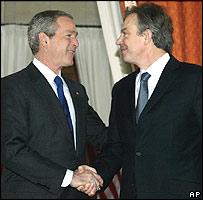 George W. Bush, presidente de EE.UU., y Tony Blair, primer ministro del Reino Unido