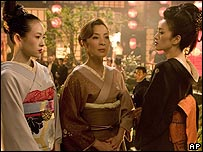 Ziyi Zhang, Michelle Yeoh and Gong Li in Memoirs of a Geisha