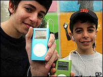 iPod buyers in Los Angeles