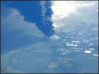 David Otway's picture of the oil depot blaze