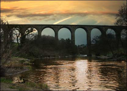 The Henry Roberston viaduct (Phil Morris, Wrexham)