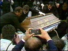 Mourners rebury Imre Nagy