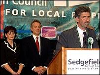 Reg Keys speaks at the count in Sedgefield