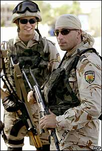 Bulgarian troops on guard duty in Karbala, 2003