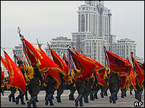 Russian soldiers rehearse for 9 May victory parade in Moscow