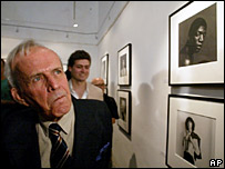 The President of the Cuban Parliament, Ricardo Alarcon, at the exhibition of Robert Mapplethorpe in Havana, Cuba