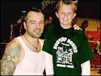 Feeder's Mark Richardson with Ollie Harding