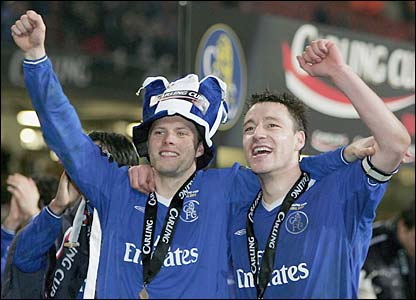 Eidur Gudjohnson and John Terry celebrate winning the Carling Cup