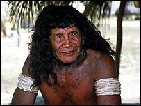 Kuissi, chief of the Suya village