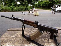 Fighter's gun in Bouake, rebel-held Ivory Coast