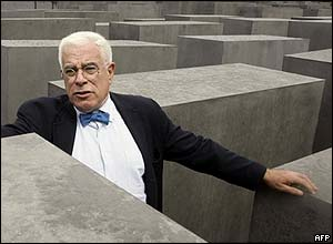 Architect Peter Eisenman at Memorial to the Murdered Jews of Europe in Berlin