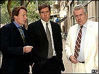 Richard Gizbert (centre) with Martin Bell (right) and Arthur Kent