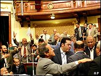 Debate en el parlamento egipcio