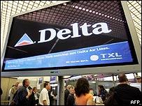 Airport screen showing Delta logo