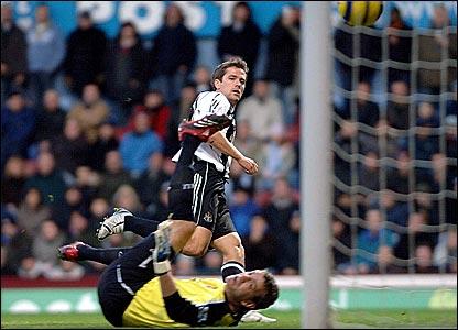 Michael Owen scores for Newcastle