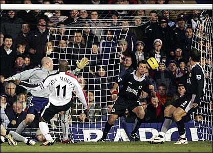 Luis Boa Morte scores Fulham's second against Blackburn