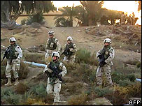 US soldiers patrol in Baquba, Iraq