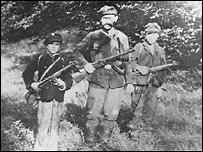 Бойцы ОУН-УПА (фото с сайта oun-upa.org.ua)