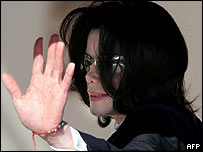 Michael Jackson arrives at court in Santa Maria, 11 May 2005