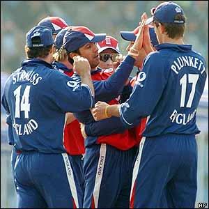 England celebrate after Vikram Solanki runs out Salman Butt