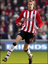 Southampton's giant striker Peter Crouch