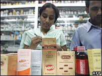Indian pharmacy workers check Ranbaxy drugs
