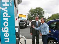 US President George W. Bush is shown the operation of the first North American retail hydrogen filling station by Shell Oil's Rick Scott 25, May 2005