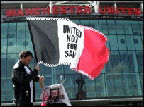 Flag vendor at Old Trafford