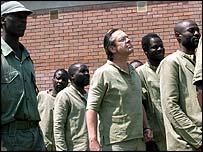 Simon Mann (middle) with other mercenaries