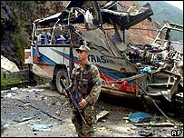 A bus attacked by the ELN in 2001