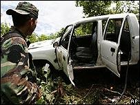 Vehículo emboscado por la guerrilla