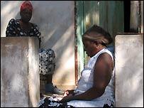 Pomfret women
