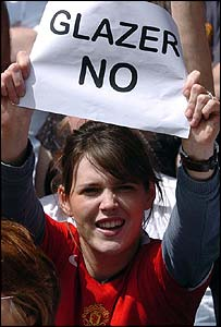 A Manchester United fan protesting against Malcolm Glazer's takeover of the club