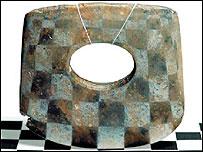 Neolithic corundum axe     Image: Peter Lu