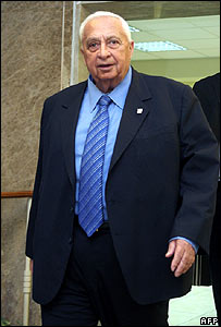 Ariel Sharon at his cabinet meeting on Sunday