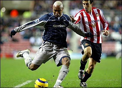 Bolton striker El-Hadj Diouf (left) and Sunderland's Julio Arca both missed good opportunities to win the game
